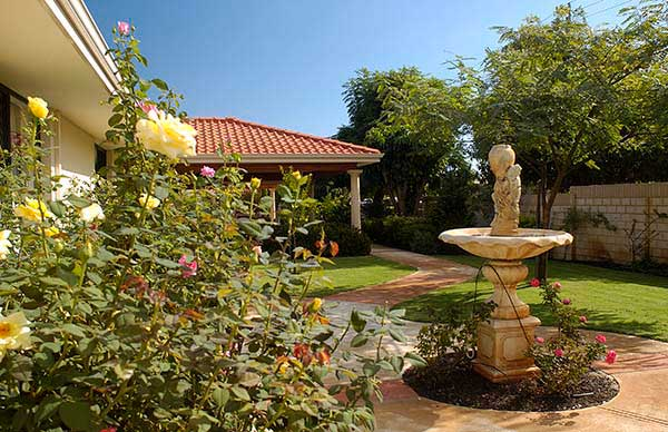 Bateman Aged Care Residence perth outdoor garden with fountain